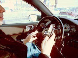 cep-telefonu-trafik-kazasi